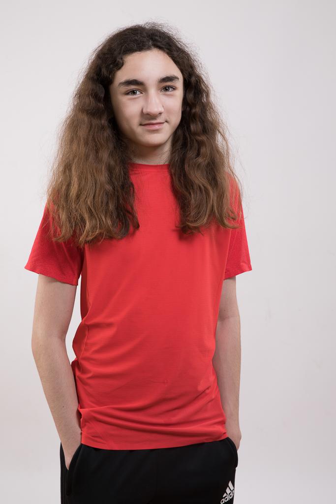Niklas mit langen Haaren